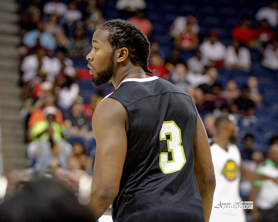 Kam Chancellor of the Seattle Seahawks and Kam Cares Foundation host Bam Bam's Spring Jam Annual Celebrity Basketball Game 5-27-17 © Annette Holloway Photography