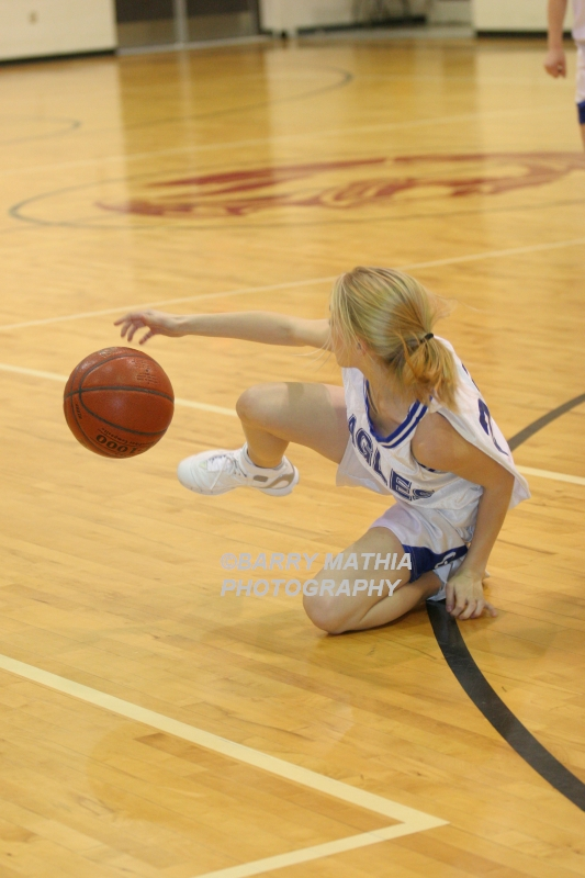 Lawson Vs Grain Valley Girls 9th BBall 012506 016