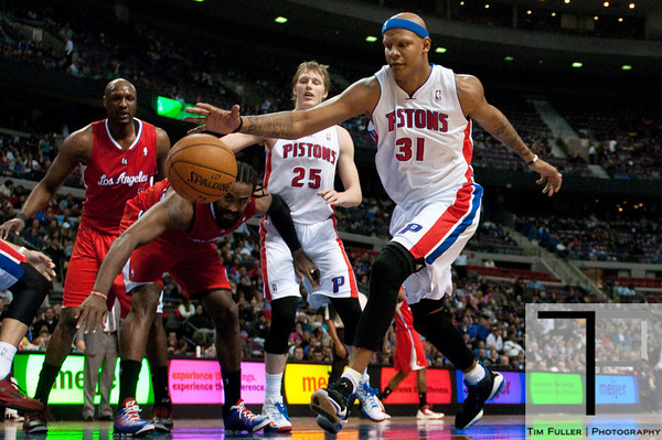 Dec 17, 2012; Auburn Hills, MI, USA; Detroit Pistons power forward Charlie Villanueva (31) reaches for a loose ball during the second quarter against the Los Angeles Clippers at The Palace. Mandatory Credit: Tim Fuller-USA TODAY Sports