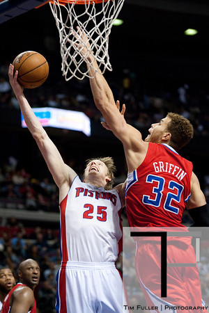 Dec 17, 2012; Auburn Hills, MI, USA; Los Angeles Clippers power forward Blake Griffin (32) blocks Detroit Pistons small forward Kyle Singler (25) during the fourth quarter at The Palace. Clippers won 88-76. Mandatory Credit: Tim Fuller-USA TODAY Sports