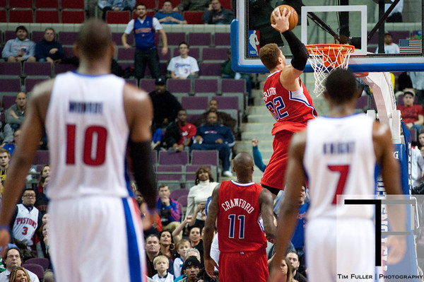 Dec 17, 2012; Auburn Hills, MI, USA; Los Angeles Clippers power forward Blake Griffin (32) slam dunks during the fourth quarter against the Detroit Pistons at The Palace. Clippers won 88-76. Mandatory Credit: Tim Fuller-USA TODAY Sports