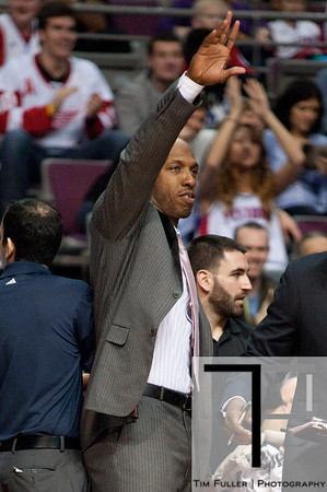 Dec 17, 2012; Auburn Hills, MI, USA; Los Angeles Clippers point guard Chauncey Billups (1) waves to the crowd against the Detroit Pistons during the fourth quarter at The Palace. Clippers won 88-76. Mandatory Credit: Tim Fuller-USA TODAY Sports