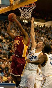 032M bball vs UCLA