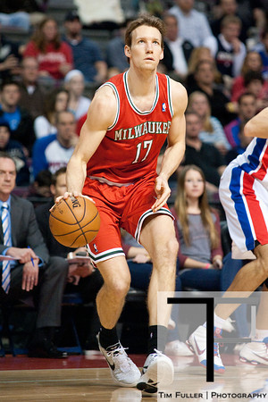 Dec 30, 2012; Auburn Hills, MI, USA; Milwaukee Bucks small forward Mike Dunleavy (17) during the first quarter against the Detroit Pistons at The Palace. Mandatory Credit: Tim Fuller-USA TODAY Sports