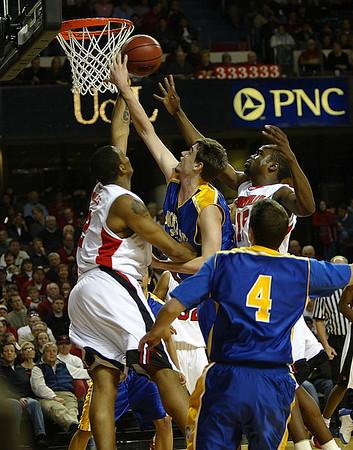 Moorhead State University Basketball vs University of Louisville (Oct 22, 2006)