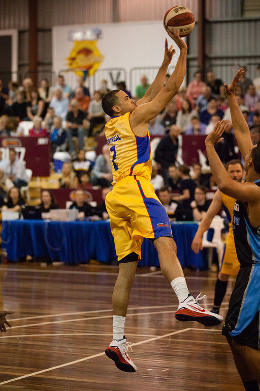 "Daequon Montreal - Adelaide 36ers v New Zealand Breakers - 2014 NBL Blitz Basketball, NAB Stadium, Auchenflower, Brisbane, Qld, AUS. Day 1. Photos by Des Thureson - <a href=""http://disci.smugmug.com"">http://disci.smugmug.com</a>."