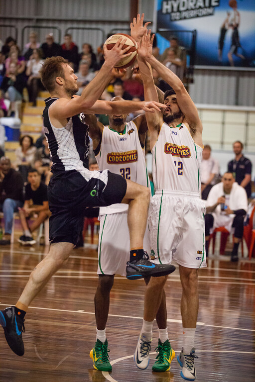 "Mark Worthington, Todd Blanchfield - Melbourne United v Townsville Crocs - 2014 NBL Blitz Basketball, NAB Stadium, Auchenflower, Brisbane, Qld, AUS. Day 1. Photos by Des Thureson - <a href=""http://disci.smugmug.com"">http://disci.smugmug.com</a>."