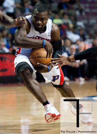 Nov 12, 2012; Auburn Hills, MI, USA; Detroit Pistons point guard Will Bynum (12) drives to the basket during the fourth quarter against the Oklahoma City Thunder at The Palace. Thunder won 92-90. Mandatory Credit: Tim Fuller-US PRESSWIRE