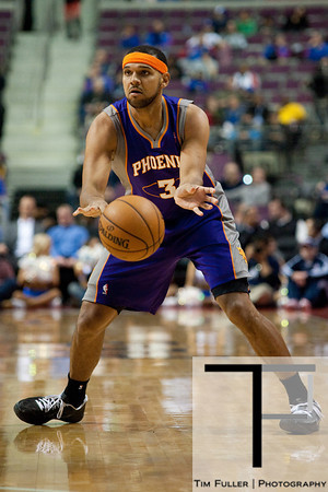 Nov 28, 2012; Auburn Hills, MI, USA; Phoenix Suns shooting guard Jared Dudley (3) passes the ball during the first quarter against the Detroit Pistons at The Palace. Mandatory Credit: Tim Fuller-USA TODAY Sports