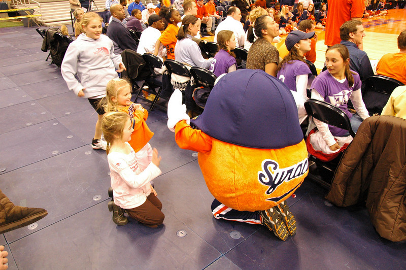 Otto entertaining some young fans.