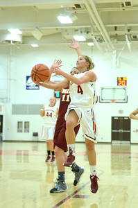 Susquehanna's Eleni Dimou drive's past Oberlin's Allison Gannon during Sunday's game.