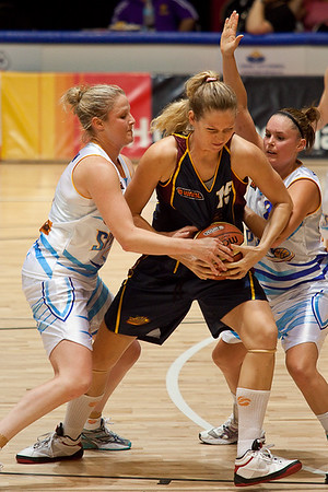 Thunder centre Marta Dydek is double teamed - WNBL: Logan Thunder v Bendigo Spirit 12 February, 2010. The Bendigo Spirit were down most of the the game, but ended up with the win, 86-82.