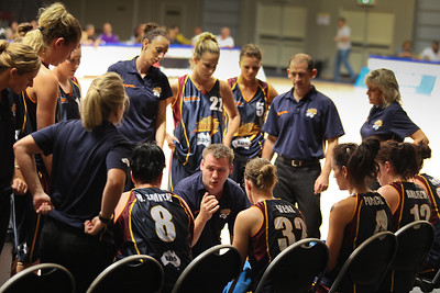 Thunder Head Coach Jason Chainey speaks to his team - WNBL: Logan Thunder v Bendigo Spirit 12 February, 2010. The Bendigo Spirit were down most of the the game, but ended up with the win, 86-82.