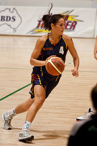 Natalie Purcell runs the offence - WNBL: Logan Thunder v Bendigo Spirit 12 February, 2010. The Bendigo Spirit were down most of the the game, but ended up with the win, 86-82.