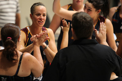 Kristen Veal thanks the team's supporters - WNBL: Logan Thunder v Bendigo Spirit 12 February, 2010. The Bendigo Spirit were down most of the the game, but ended up with the win, 86-82.