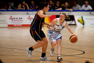 Kristi Harrower is defended by Odette Andrew - WNBL: Logan Thunder v Bendigo Spirit 12 February, 2010. The Bendigo Spirit were down most of the the game, but ended up with the win, 86-82.