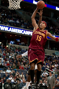 Jamario Moon of the Cleveland Cavaliers makes a strong move to the basket.