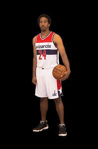 24 Andre Miller