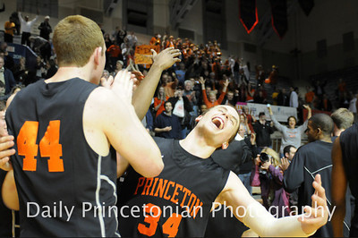 Taken for the Daily Princetonian. http://photo.dailyprincetonian.com/Sports/MBB/MBB-vs-Penn-02082011/16125237_pTPm6h#!i=1210641406&k=D2bpvVF