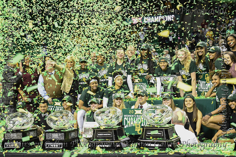 Baylor Lady Bears Baskketball team and staff tries to squeeze everyone in to so the team photographer can get a shot of the celebration.