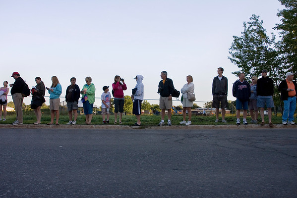 Record-Eagle/ Keith King<br /> Spectators wait for the start of the Traverse City State Bank Bayshore Marathon Saturday, May 29, 2010.