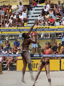 AVP Santa Barbara (2008) - Misty May and Kerri Walsh defeat Annett Davis & Jenny Johnson Jordan in a Round 3 match (Sept. 6, 2008)