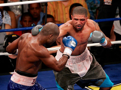Bernard Hopkins vs. Winky Wright