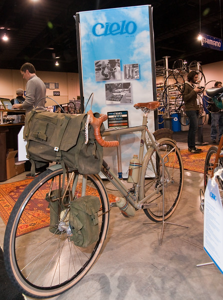 "North American Handmade Bicycle Show-00230.  Cielo Bikes Urban Cyclo Tour model.  <br /> <br /> <a href=""http://cielo.chrisking.com/"">http://cielo.chrisking.com/</a>"