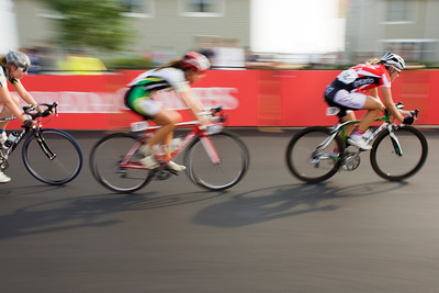 Sprint to the Line, Women's Criterium, Canada Games 2009 (MURR6712)