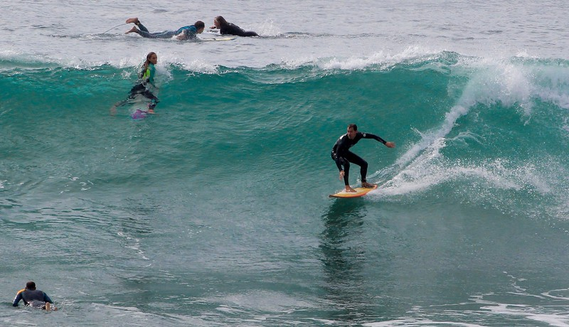The sweet spot at Swamis is over a narrow, shallow reef. It was a high traffic area all day.