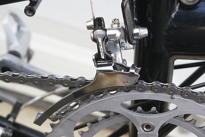 FSA shifter detail and Shimano 9 speed chain detail