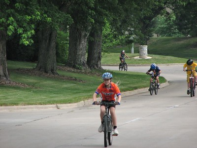 Chelsea Wall leading the field in the kid's race in Johnston, IA.