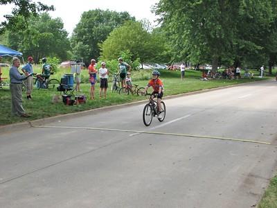 Chelsea Wall winning the kid's race in Johnston, IA.