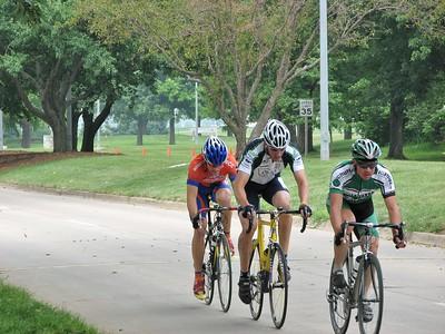 The initial break of Scott Fairbairn, Sean Noonan, & Scott Wall in the Master's race at Johnston, IA.