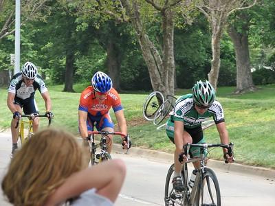 The initial break of Scott Fairbairn, Scott Wall, & Sean Noonan in the Master's race at Johnston, IA.
