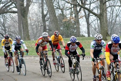 Scott Wall, Jim Cochrane, Tom Eaton, Dominic Moraniec, & Greg Harper in the 40+ field photo by Chain Reaction Bicycle Club
