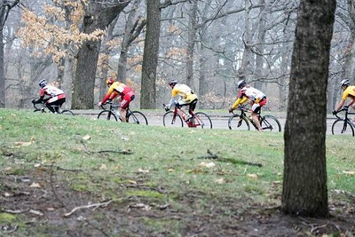 Tom Eaton, Greg Harper, & Scott Wall in the 40+ field - photo by Chain Reaction Bicycle Club