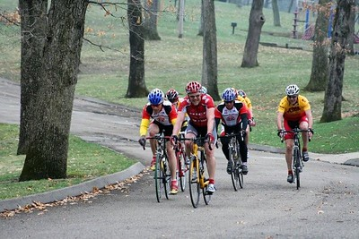 Scott Wall & Tom Eaton in the Master's 40+ - photo by Chain Reaction Bicycle Club