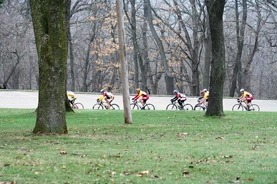 The Master's 40+ field - photo by Chain Reaction Bicycle Club