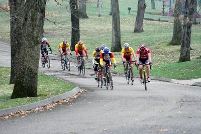 Scott Wall leading Master's 40+. Also visible are Greg Harper & Randy Jones - photo by Chain Reaction Bicycle Club