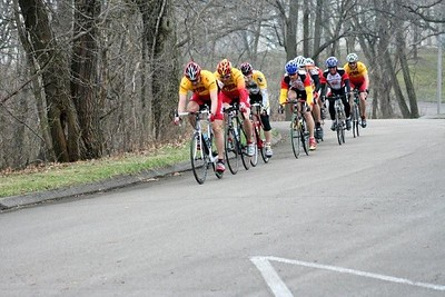 Greg Harper, Scott Wall, & Tom Eaton in the 40+ field - photo by Chain Reaction Bicycle Club