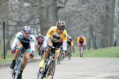 Bill Ford & Dominic Moraniec breaking away from the 40+ field - photo by Chain Reaction Bicycle Club
