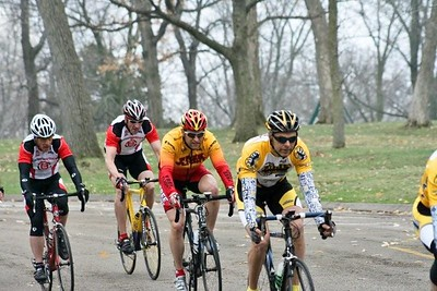 Bill Ford, Shawn Loomis, & Randy Jones in the 40+ field - photo by Chain Reactiopn Bicycle Club
