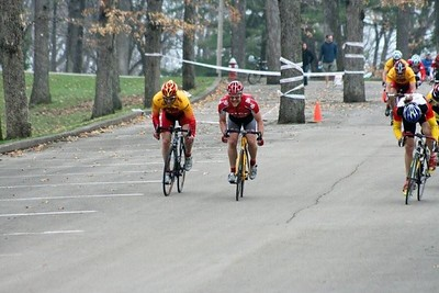 Scott Wall winning the field sprint for 5th place - photo by Chain Reaction Bicycle Club