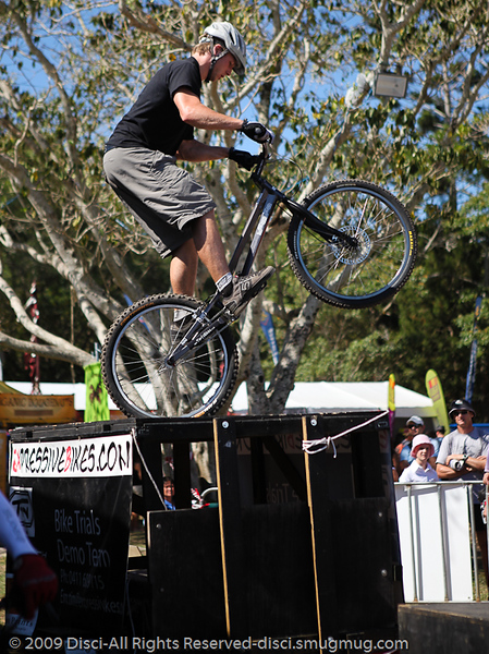 Lewis Greenhalgh - Bike Trials demonstration by Expressivebikes.com - Noosa Triathlon Multi Sport Festival, Queensland, Australia, 31 October 2009.