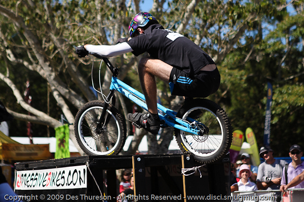 Borys Zagrocki - Bike Trials demonstration by Expressivebikes.com - Noosa Triathlon Multi Sport Festival, Queensland, Australia, 31 October 2009.