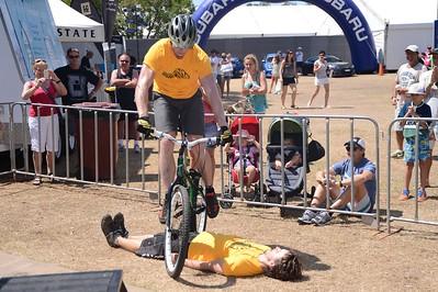 UN-Edited extra photos - ExpressiveBikes Bike Trials Stunt Team. Unedited images by Des Thureson - disci.smugmug.com