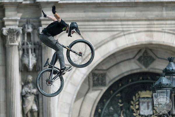 20180527-Hotel de Ville Paris-BMX Freestyle
