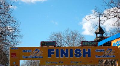 Finish line: 29mns40s for 23,4 km (by winner Levi Leipheimer)