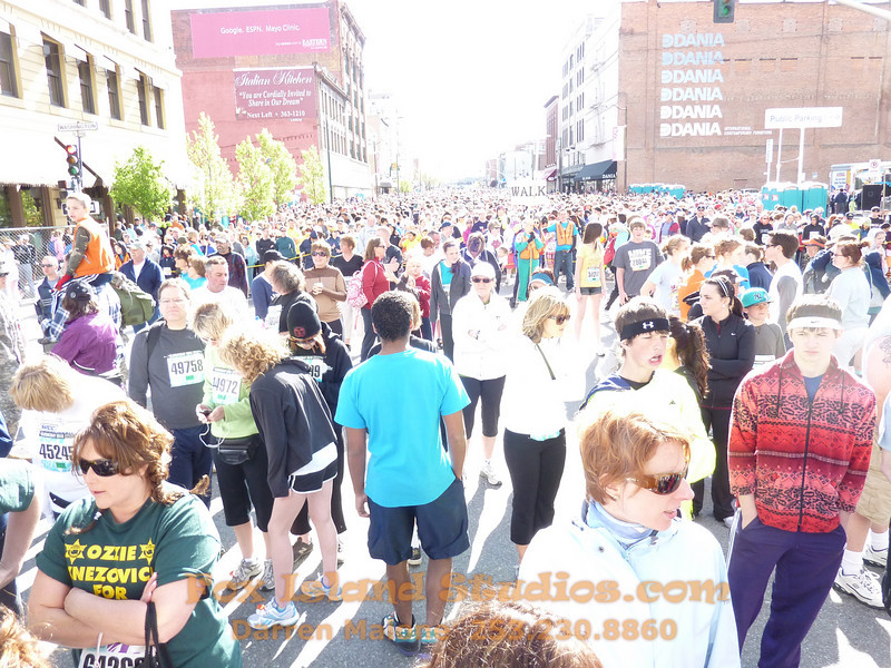 Bloomsday Run Spokane WA Sister Sharon Nieces Alex Dani Taylor 024
